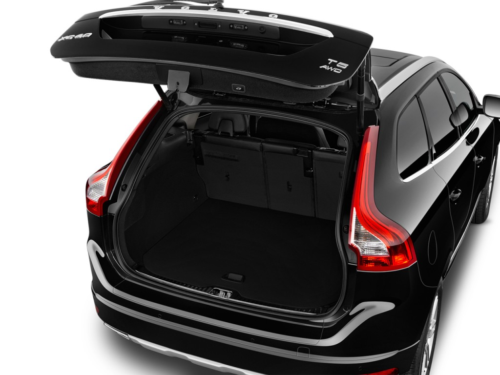 Image: 2017 Volvo XC60 T5 FWD Inscription Trunk, size ...