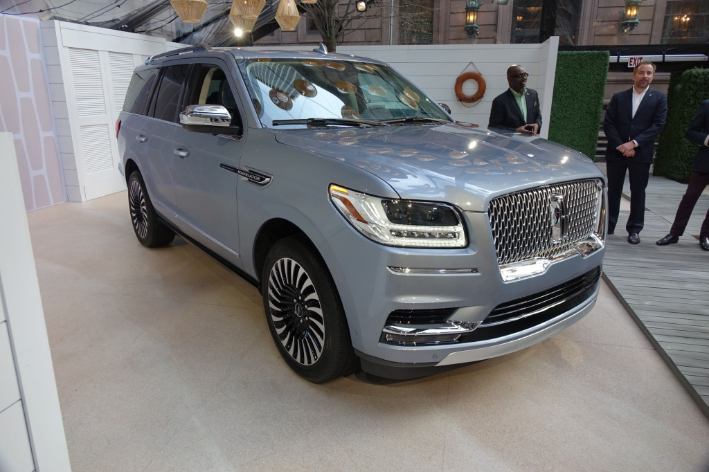 image 2018 lincoln navigator 2017 new york auto show size 1024 x 682 type gif posted on. Black Bedroom Furniture Sets. Home Design Ideas
