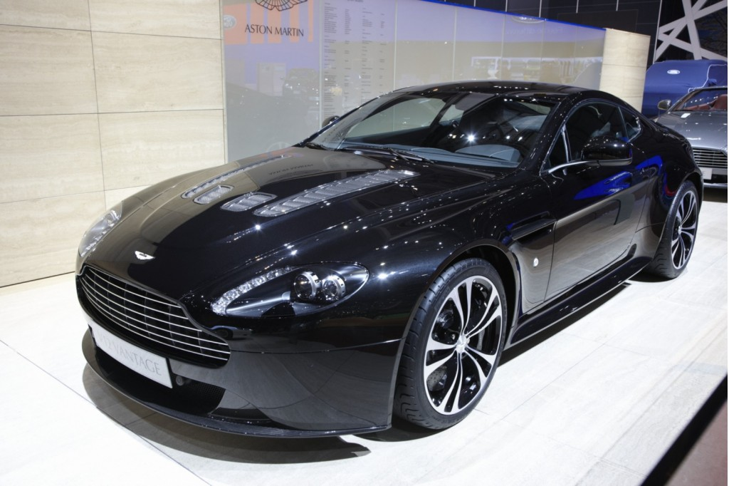 4 Seater Aston Martin – Idea di immagine auto