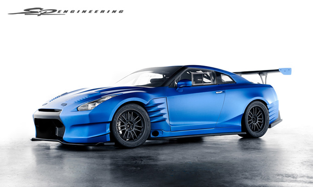 early look at nissan gt r from fast and the furious 6 video. Black Bedroom Furniture Sets. Home Design Ideas