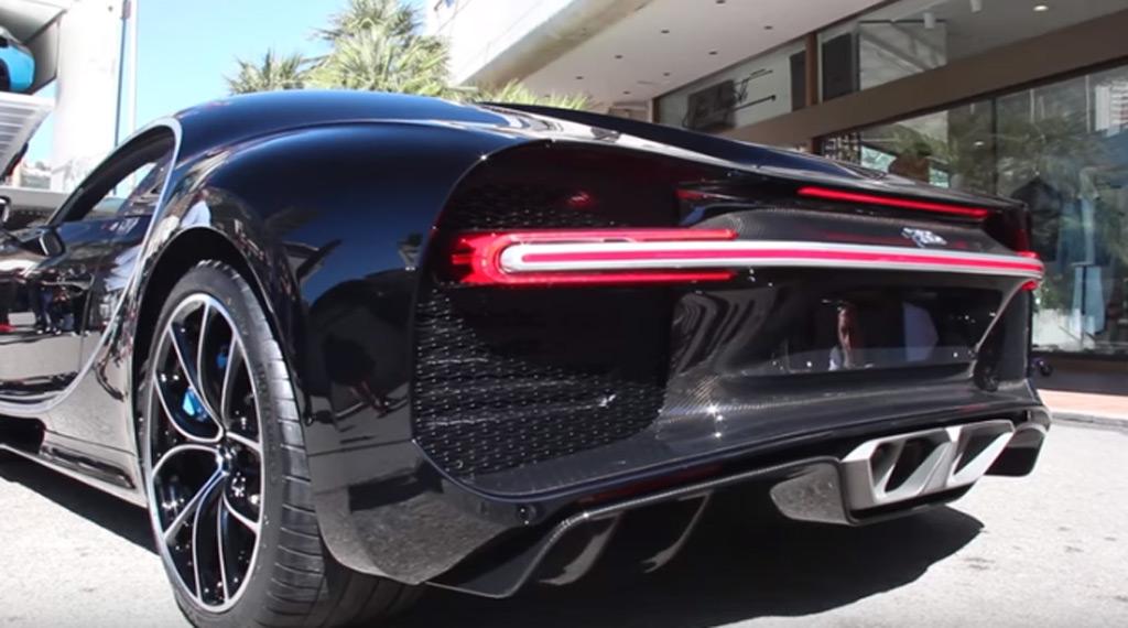 Bugatti Chiron Speeding 2016 Chevrolet Camaro Ss 2017