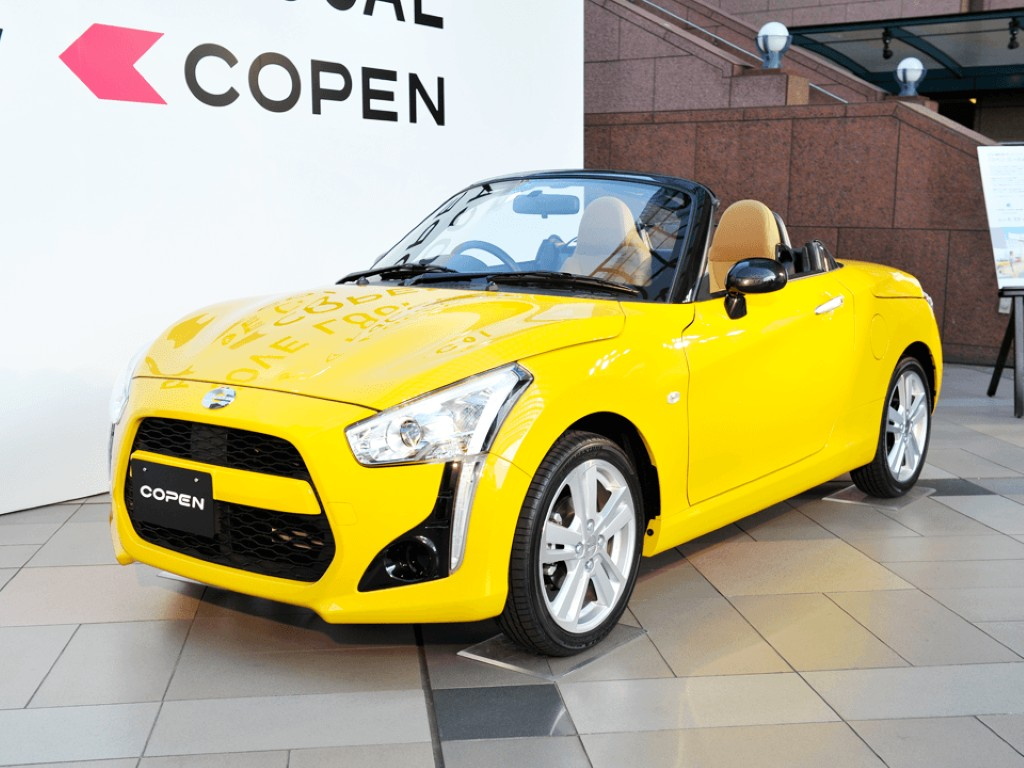 daihatsu copen sports car revealed in all its tiny glory. Black Bedroom Furniture Sets. Home Design Ideas