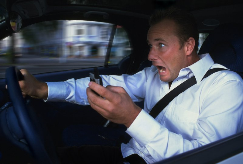 6 Ways To End Distracted Driving
