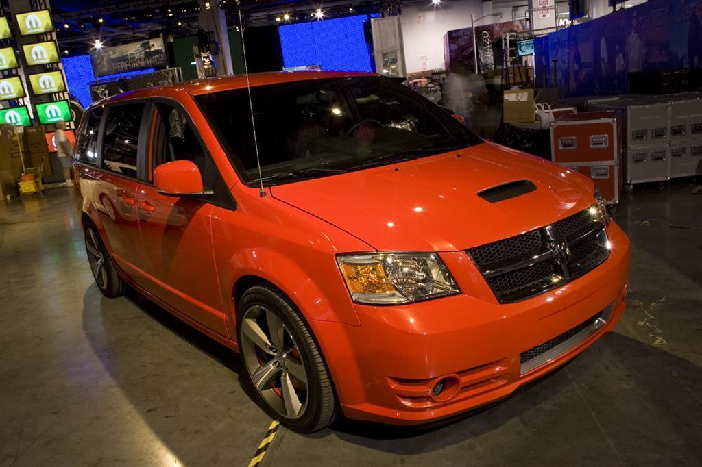 Dodge Caravan R/T concept