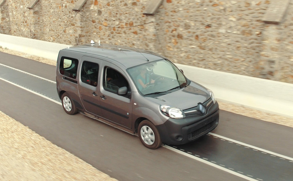 Dynamic wireless electric car charging testing using a Renault Kangoo Z.E.