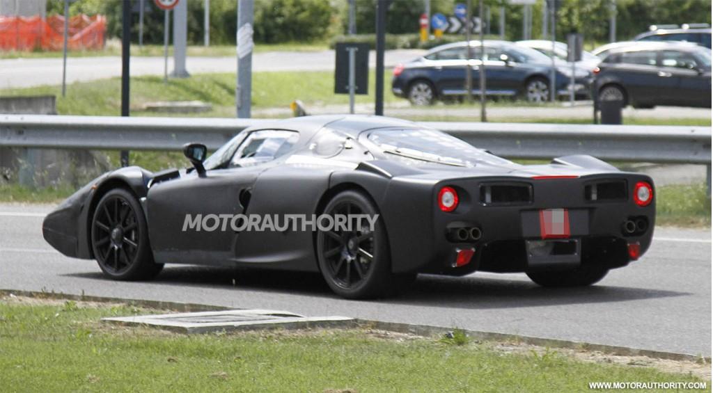 Ferrari Enzo Successor (F70) spy shots