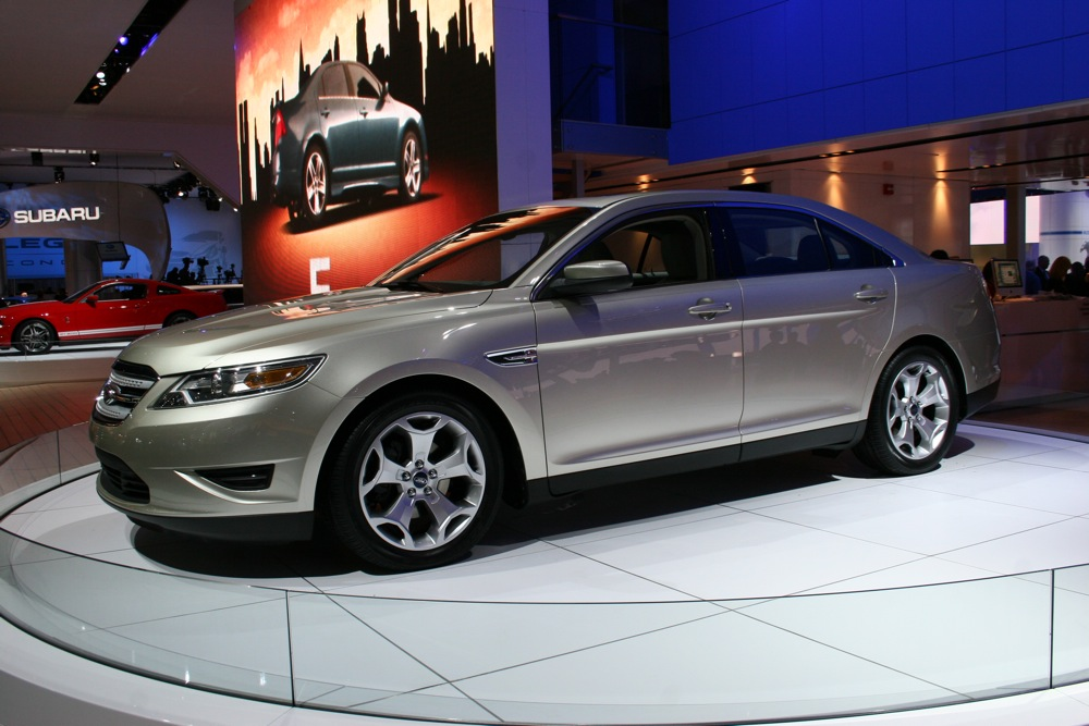 2009 Detroit: Ford Bets Big on Electric Vehicles, Taurus