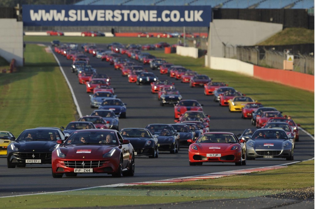 Gathering of 964 Ferraris at Silverstone in the UK have set a new world record
