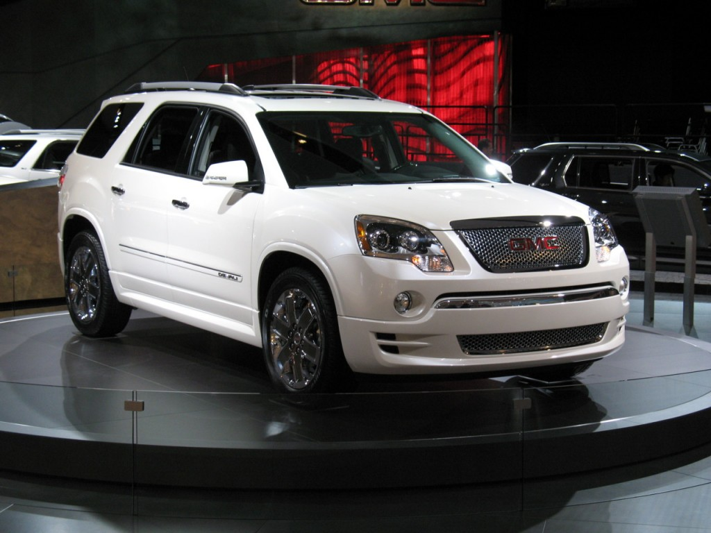GM's Full-Size Crossovers Get Minor Changes For 2013