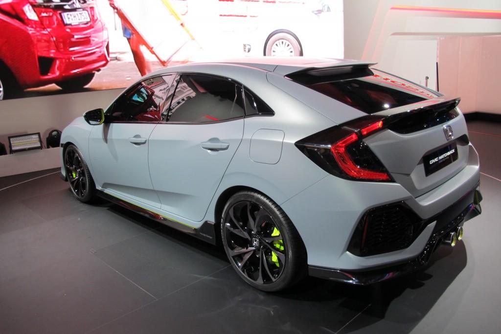Image 2017 honda civic hatchback prototype 2016 geneva for 2017 honda civic green