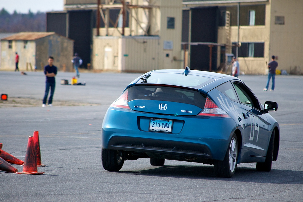 Honda CR-Z hybrid car on an autocross course [Image: Flickr user NoWin]