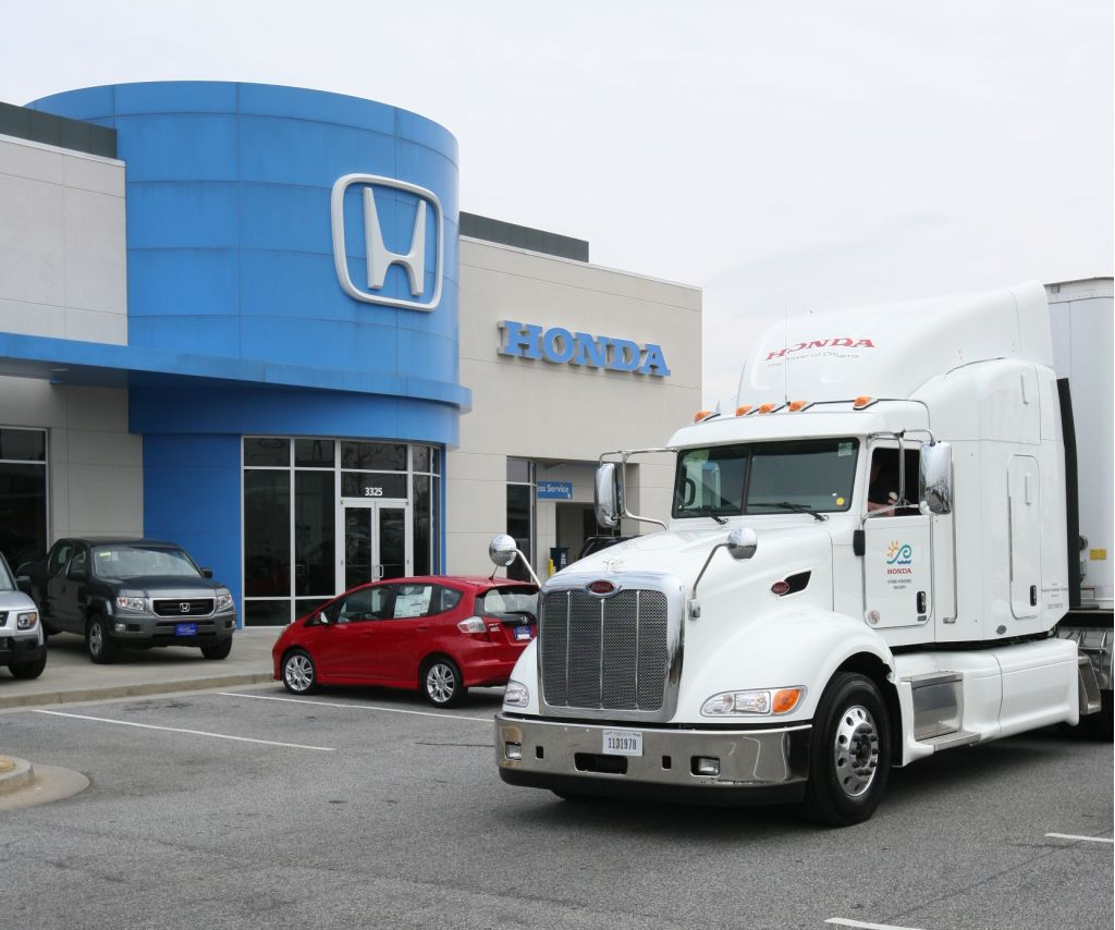 Honda puts hybrid diesel electric transport truck into service for Honda of seattle service