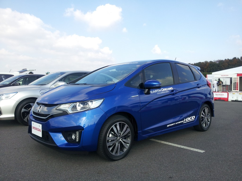 Honda Fit Hybrid (Japanese domestic model), Honda Proving Grounds, Tochigi, Japan, Nov 2013