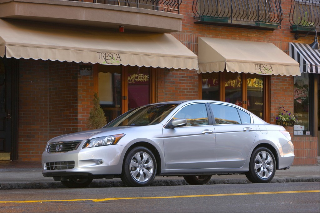 Honda Accord Versus Hyundai Sonata: Similar Features
