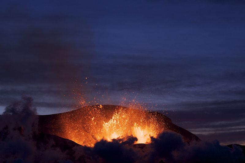 Iceland's Fimmvorduhals erupts. Image: Henrik Thorburn