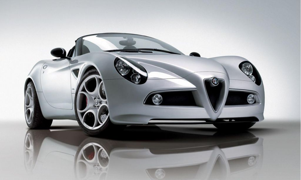 Alfa 8C Spider Blows its Top for Geneva