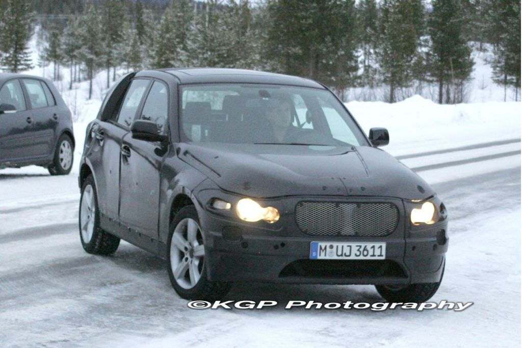 BMW X1 Spied - The MINI Ute Gets a Sibling