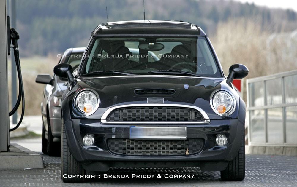 2011 MINI Crossman: New Spy Pics!