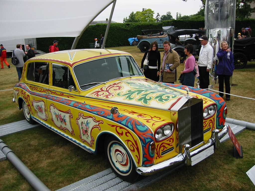 John Lennon Rolls-Royce Phantom V sedan by Flickr user edvvc