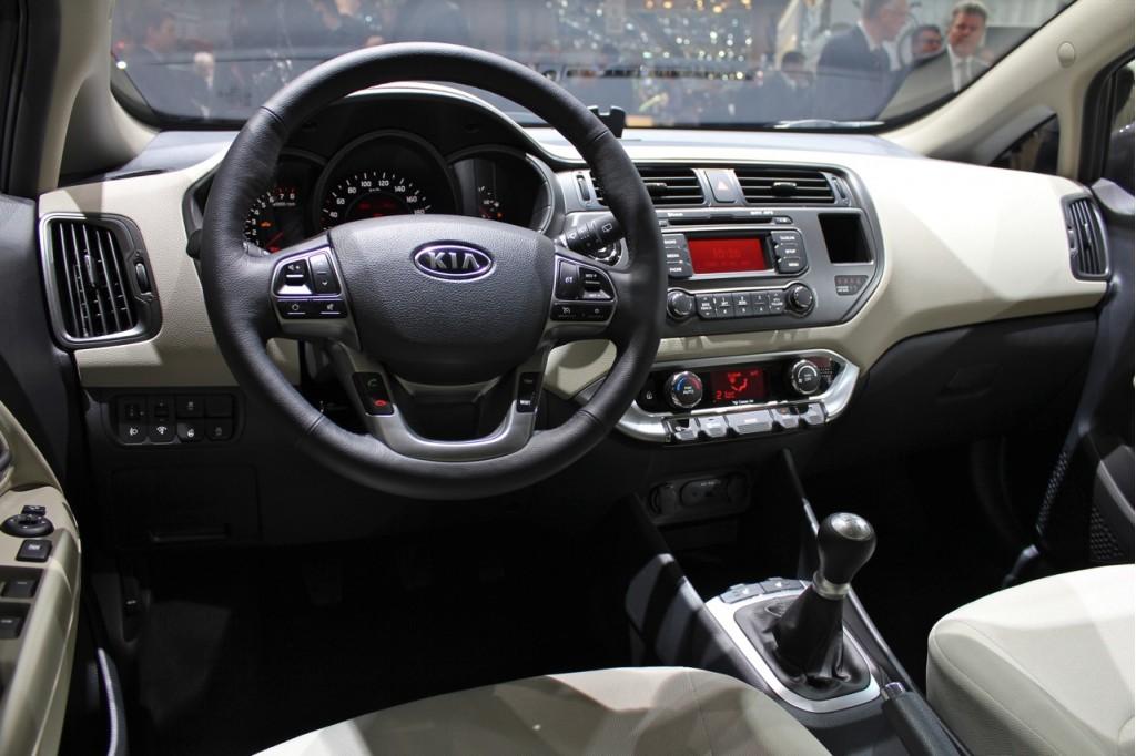 Image 2012 Kia Rio Hatchback live photos size 1024 x 682 type