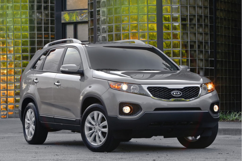 the 2011 kia sorento 7 seat crossover suv is a budget family hauler. Black Bedroom Furniture Sets. Home Design Ideas