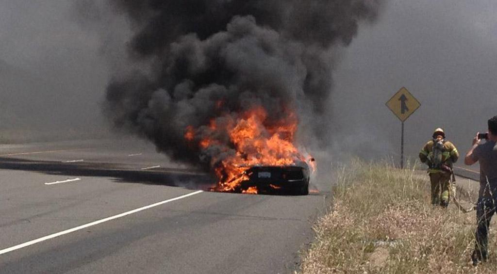 First Reported Lamborghini Aventador Fire Caught On Video