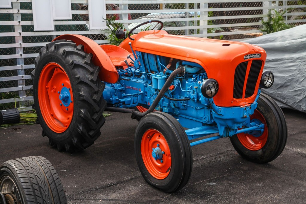 Image: Lamborghini Tractor at Miami Supercar Rooms, size ...
