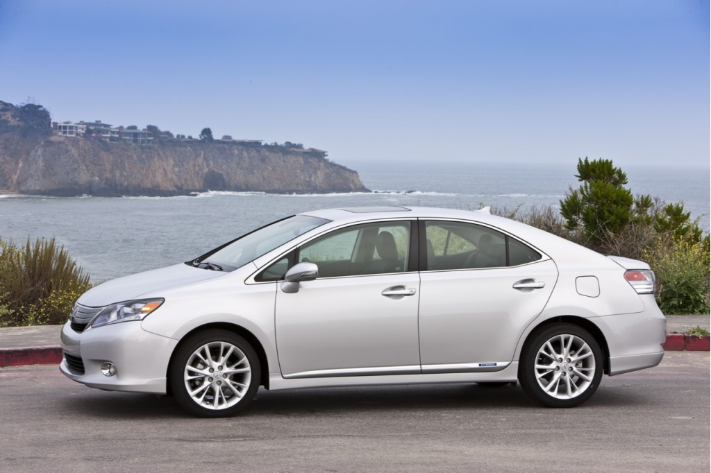 His and Her Review 2010 Lexus HS 250 Hybrid