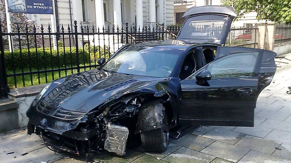 Mansory Porsche Panamera Crashes World Is Better Off