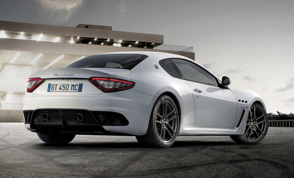 video maserati granturismo mc stradale hits the track. Black Bedroom Furniture Sets. Home Design Ideas