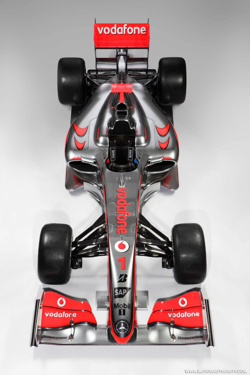mclaren mp4 24 2009 f1 race car 002