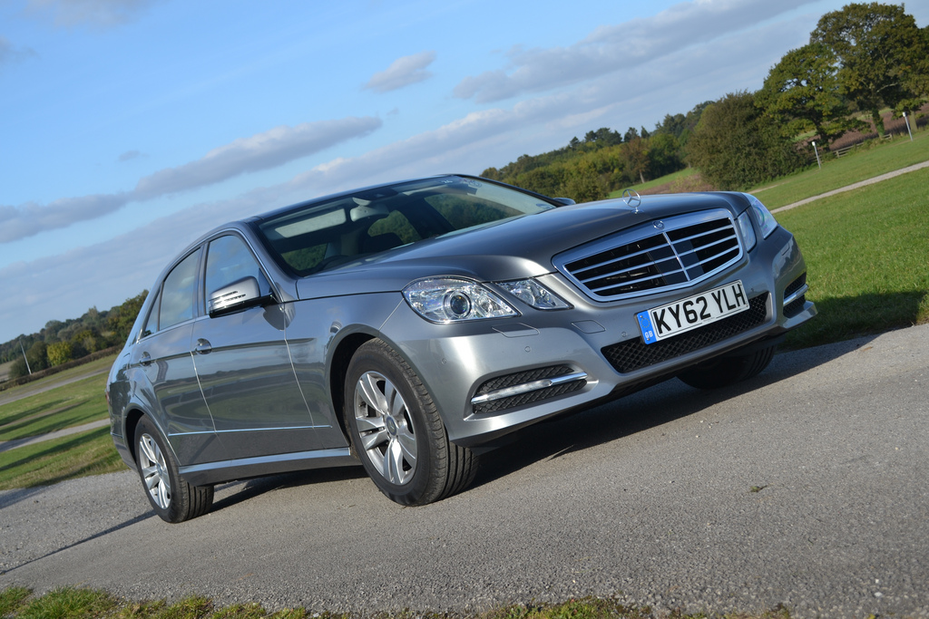 Mercedes benz e300 bluetec hybrid sedan quick drive for Mercedes benz bluetec diesel