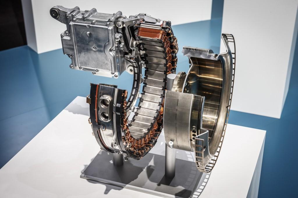 Image: Mercedes-Benz integrated starter generator (ISG ...