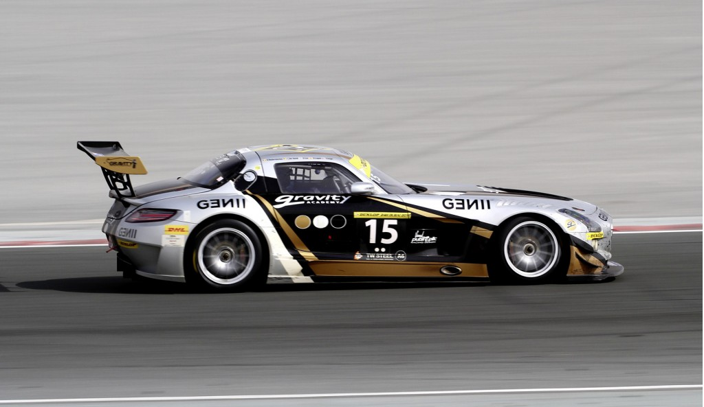 Image mercedes benz sls amg gt3 at the 2012 dubai 24 for Mercedes benz hours