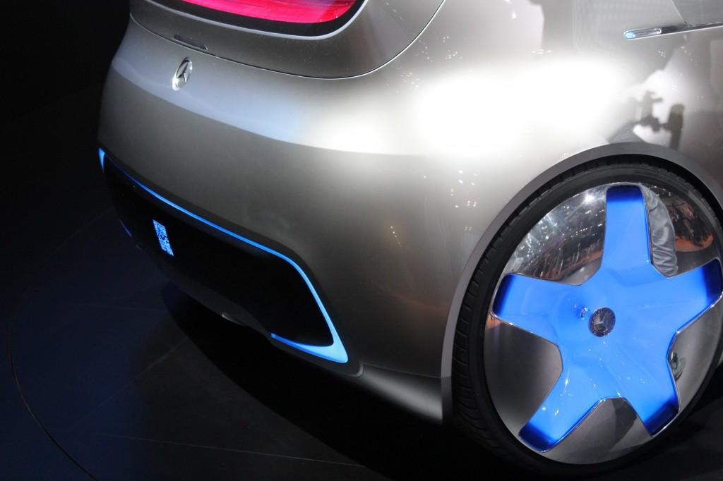 http://images.hgmsites.net/lrg/mercedes-benz-vision-tokyo-concept--2015-tokyo-motor-show-live-photos_100532167_l.jpg