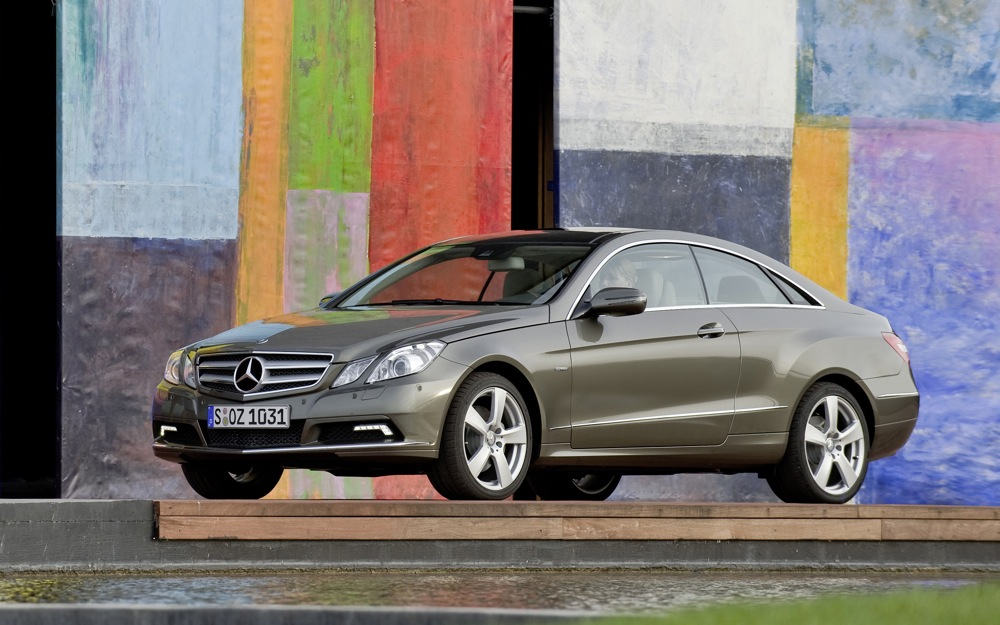 Mercedes benz recalls 85 000 vehicles for power steering leak for Recalls on mercedes benz