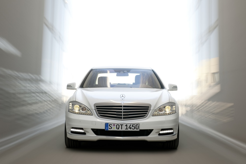 First Look: 2010 Mercedes-Benz S400 Hybrid