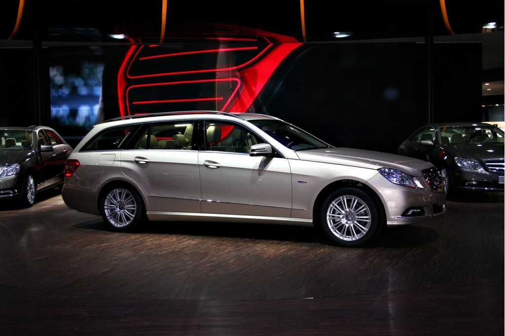 Recall alert 2011 mercedes benz e class sedan and wagon for Recalls on mercedes benz