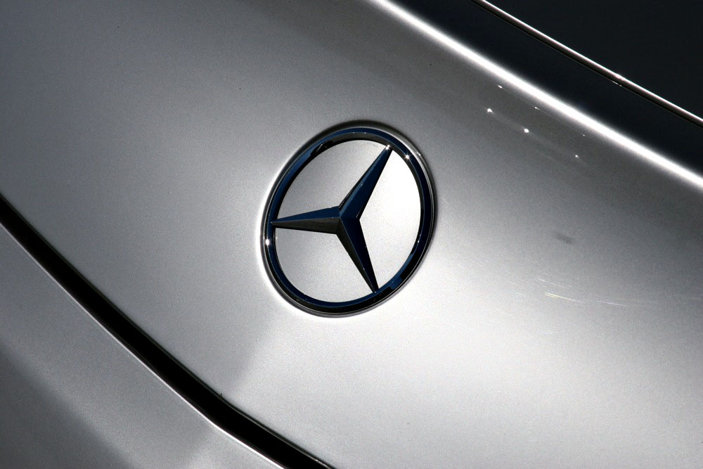 Mercedes benz launches new mbrace telematics system for Mercedes benz mbrace reviews