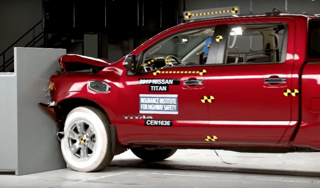2017 Nissan Titan struggles in latest crash test