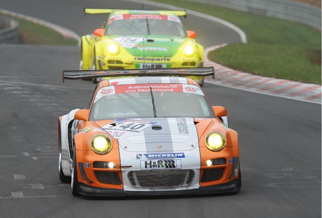 Porsche 911 GT3 R Hybrid in action