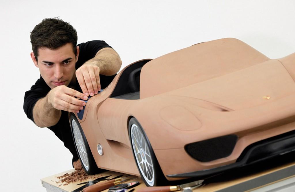 Porsche 918 Spyder clay model