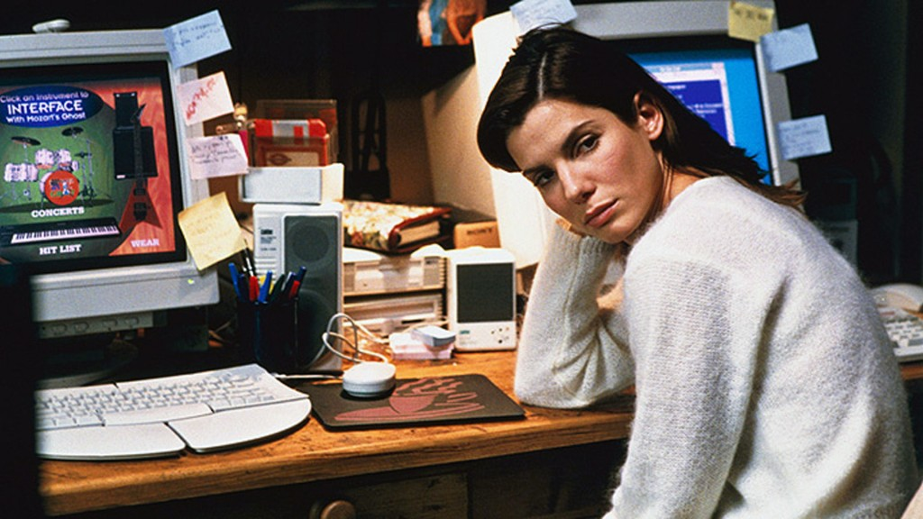 Sandra Bullock, hacking victim, in THE NET