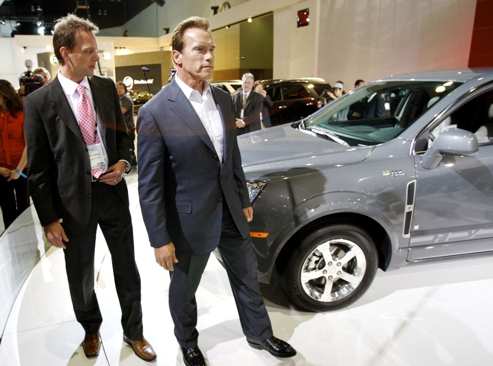 Saturn VUE Hybrid and Gov. Schwarzenegger