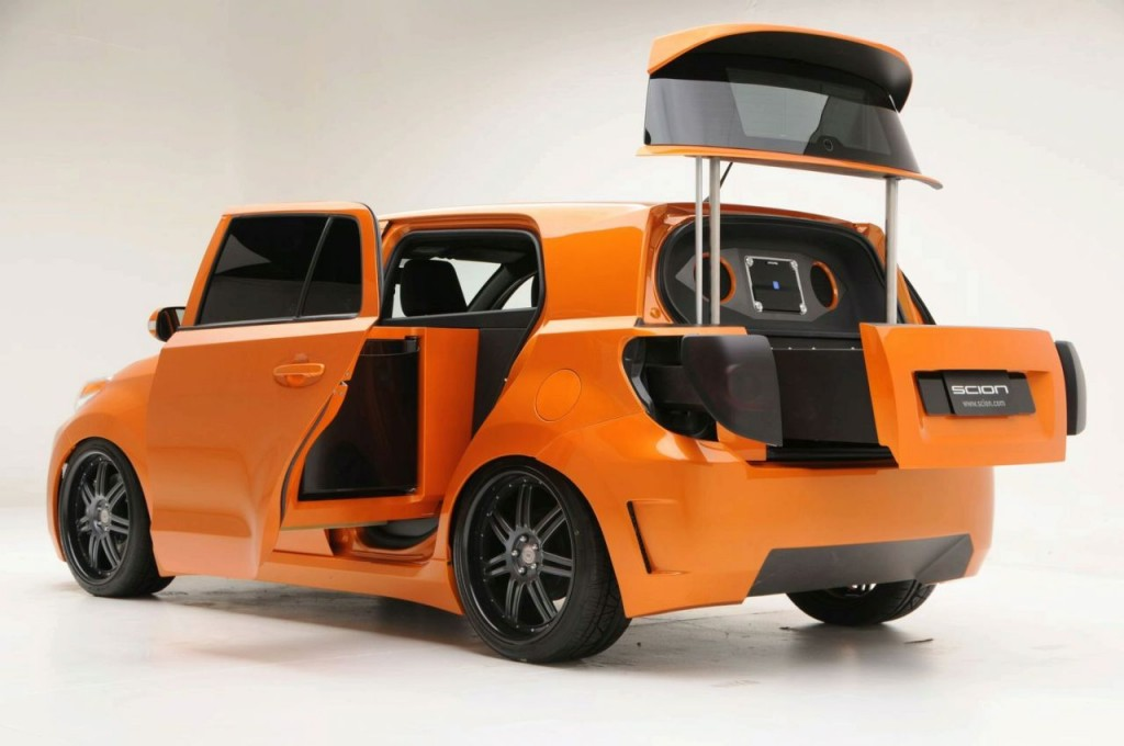 Scion Kogi xD mobile kitchen from MV Designs
