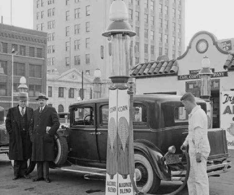Section of 1933 photo of E10 ethanol fueling station from Nebraska State Historical Society