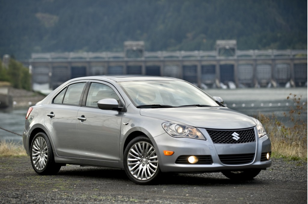 2010 Suzuki Kizashi Rates 5 Stars In NHTSA Test