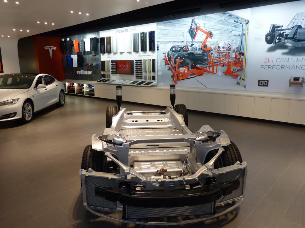 Tesla Store  -  Portland OR