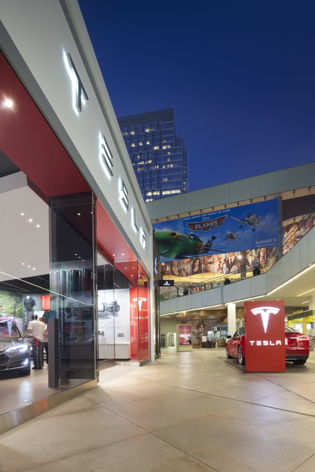 Tesla Begins Sales & Supercharging Blitz; Growth In Europe & Asia To Outpace North America By 2015