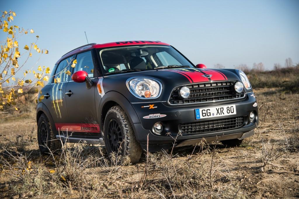 The X-raid Team's MINI Cooper Countryman support vehicle - image: BMW Group
